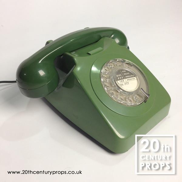 2: Retro telephone