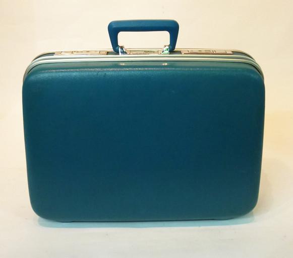 3: Turquoise Hard Shell Retro Suitcase