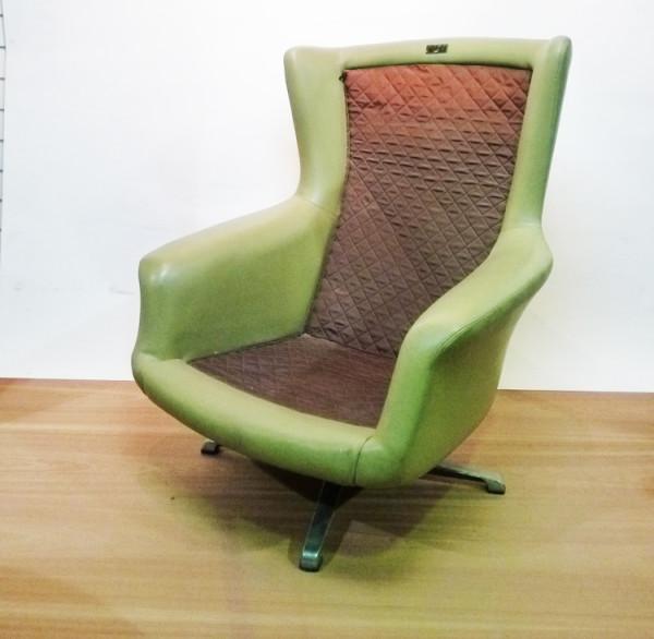 4: Green 1960's Retro Swivel Chair