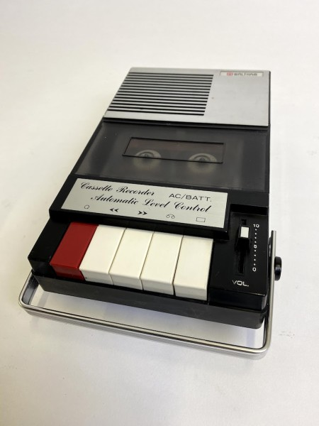 1: Fully working Waltham cassette recorder