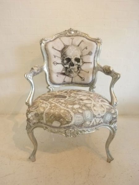 2: Decorative baroque chair - Silver