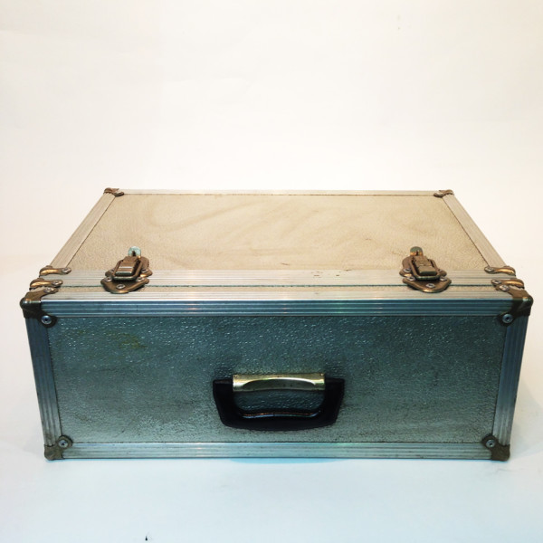 4: Metal Flight Case