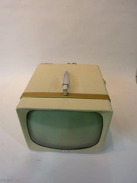 3: White Vintage 1950's TV