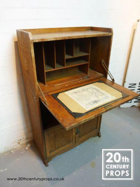 1: Oak Bureau