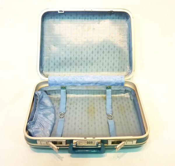2: Turquoise Hard Shell Retro Suitcase