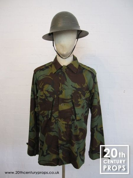 1: Vintage army shirt & helmet