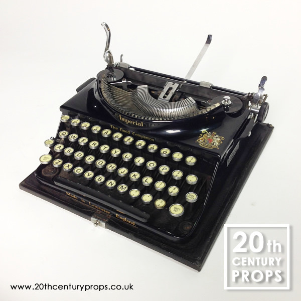 1: Working vintage IMPERIAL typewriter