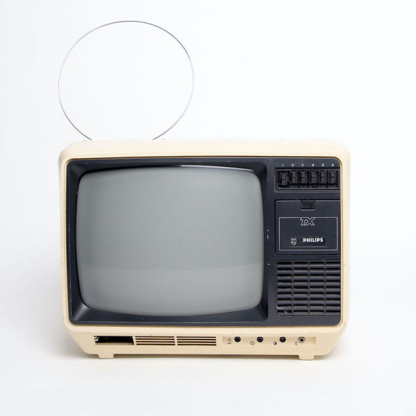 4: Fully working black & white Philips TX711 TV
