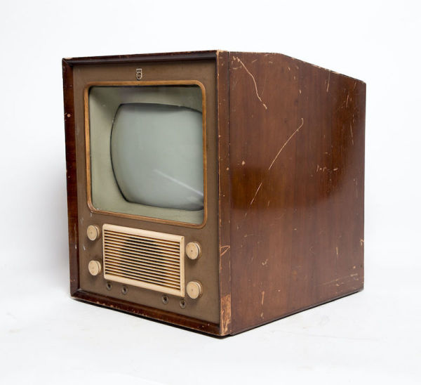 3: Non practical vintage Philips TV with wooden casing