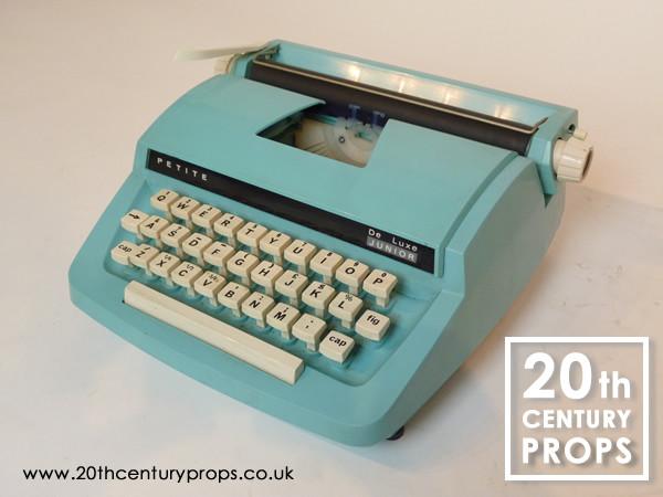 1: Retro PETITE pale blue junior typewriter