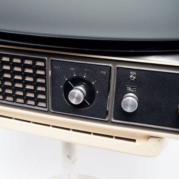 3: Non practical Philips cream retro TV on stand