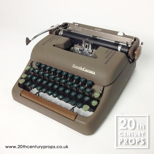 1: Working vintage SMITH CORONA typewriter
