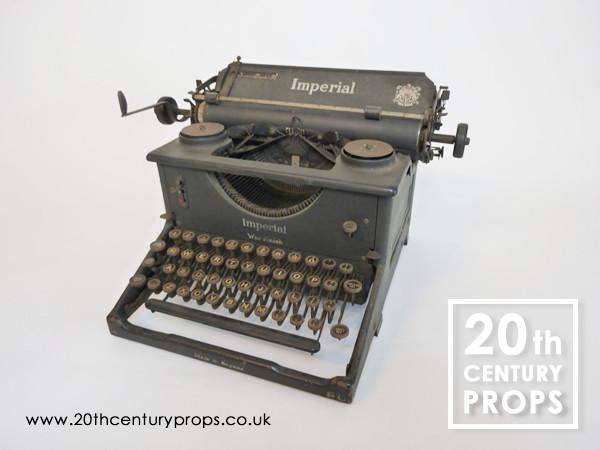 1: Vintage typewriter