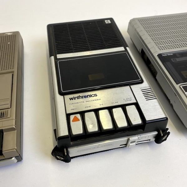 1: Winthronics cassette recorder - non working