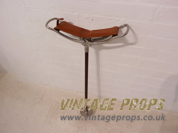 2: Shooting stick with leather seat