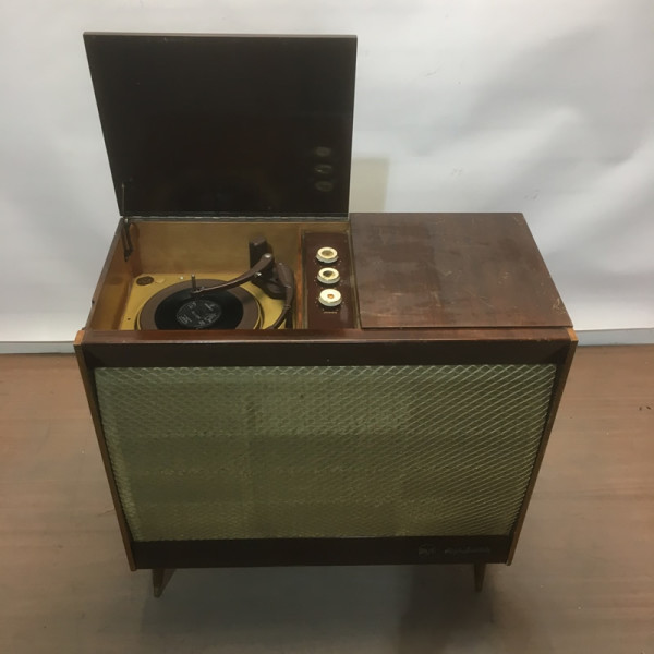 6: Vintage music cabinet with record player