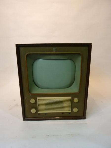 4: Vintage 1940's TV 2