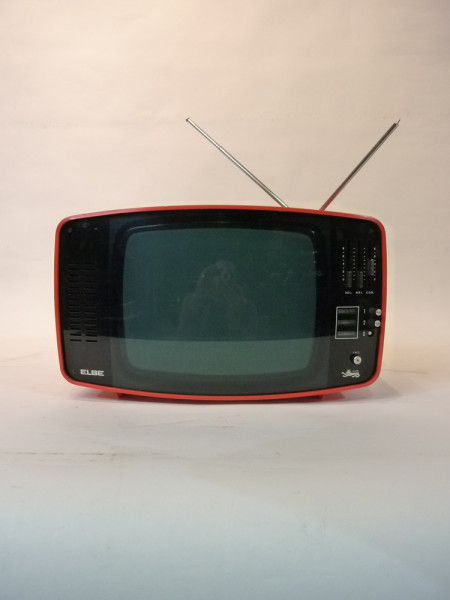 3: Red 1960's Retro Italian TV