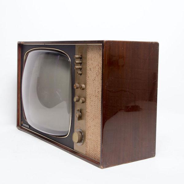 3: Non practical vintage 1950's Ferguson TV