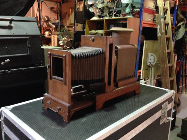 1: Vintage plate camera / projector