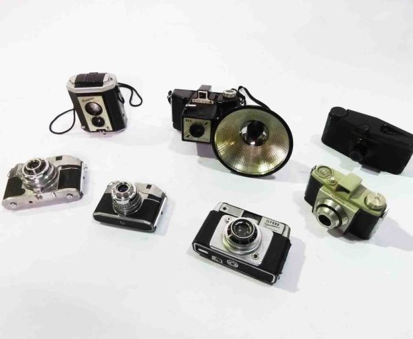 3: Retro Stylised Cameras