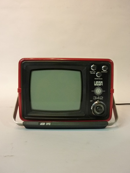 3: Red Portable Mini TV