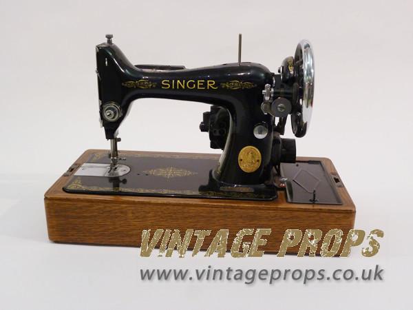 1: Vintage Singer Sewing Machine