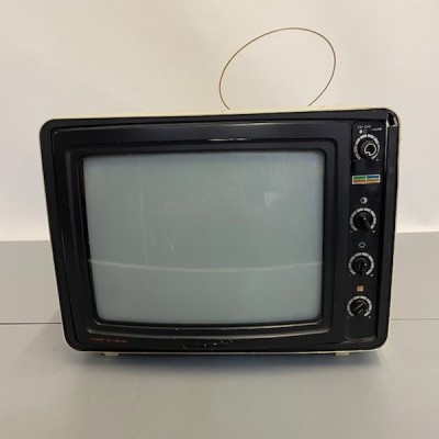 Fully working colour Hitachi Transistor CWP-133