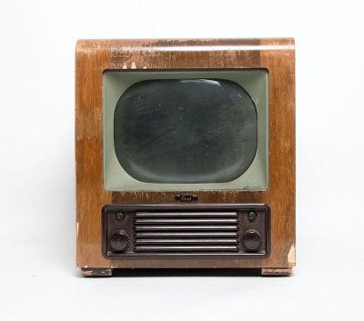 Non practical vintage 1940's Bush TV