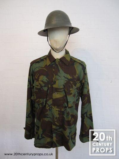 Vintage army shirt & helmet