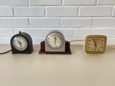1950's desk clock