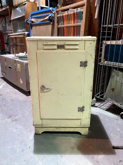 1960's storage unit