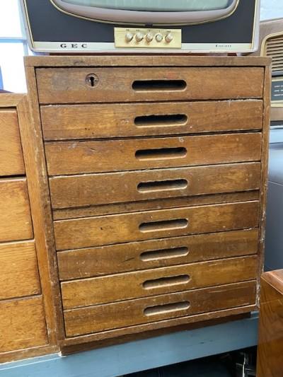 Laboratory drawers