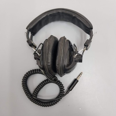 Black retro headphones