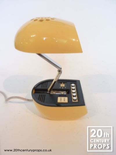 Retro digital alarm clock with extending night light lid