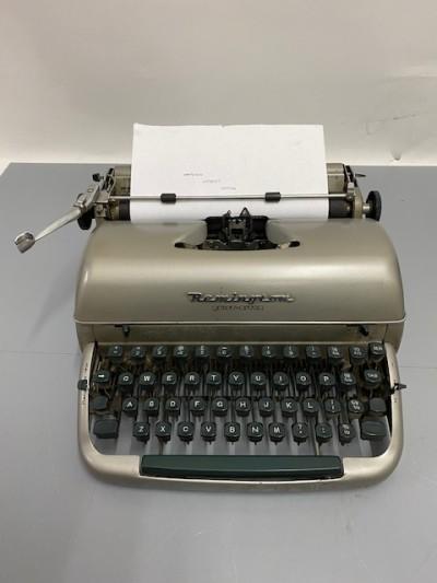 Vintage Working Remington Typewriter