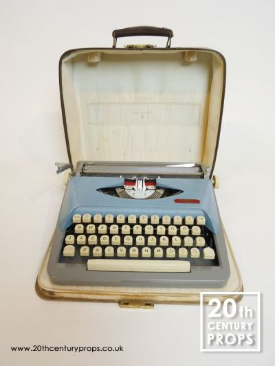 Vintage Typewriter with carry case