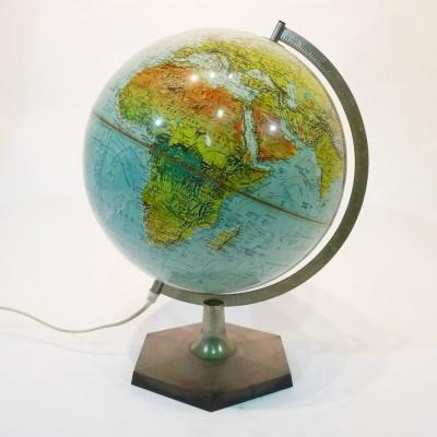 Illuminated vintage globe