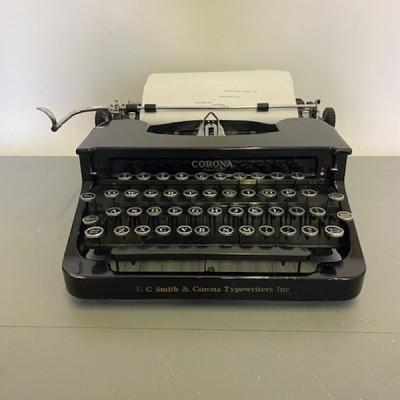 Working Black Corona Typewriter