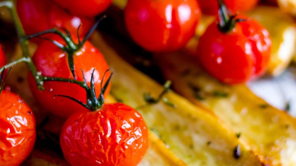 Pastinaak uit de oven met kruiden en Honingtomaten