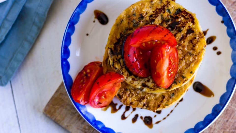 Hartige wentelteefjes met warme JOYN tomaten