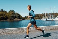 Kledd og utstyrt for maraton