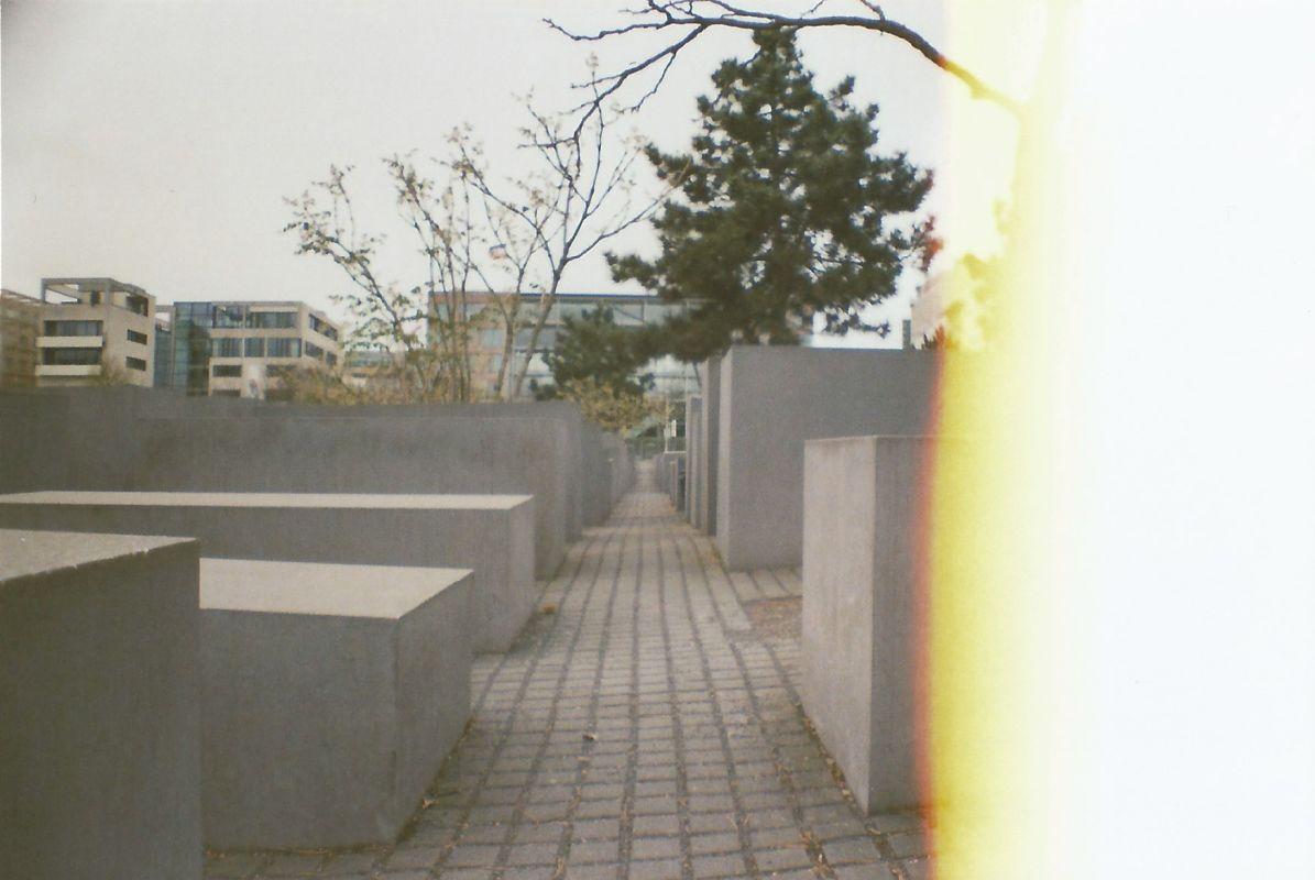 Denkmal light leak