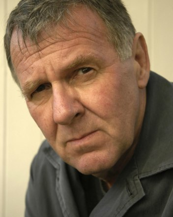 tom-wilkinson-headshot