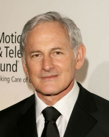 victor-garber-headshot