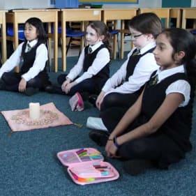 LAS pupils in medidation club