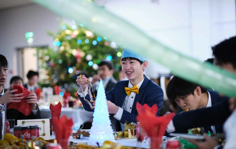 Christmas Festivities for Boarders thumbnail image