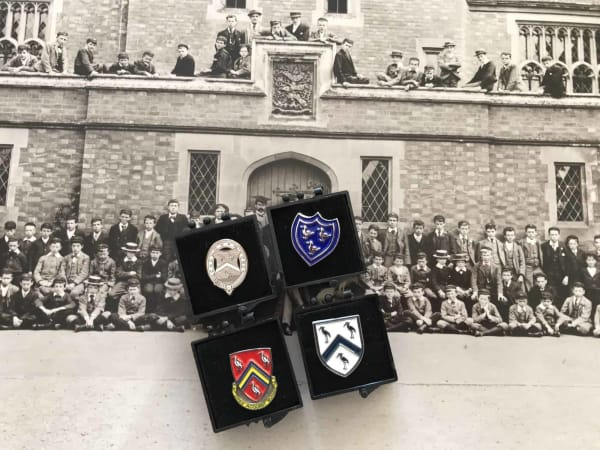 Heritage Pin Badge Set