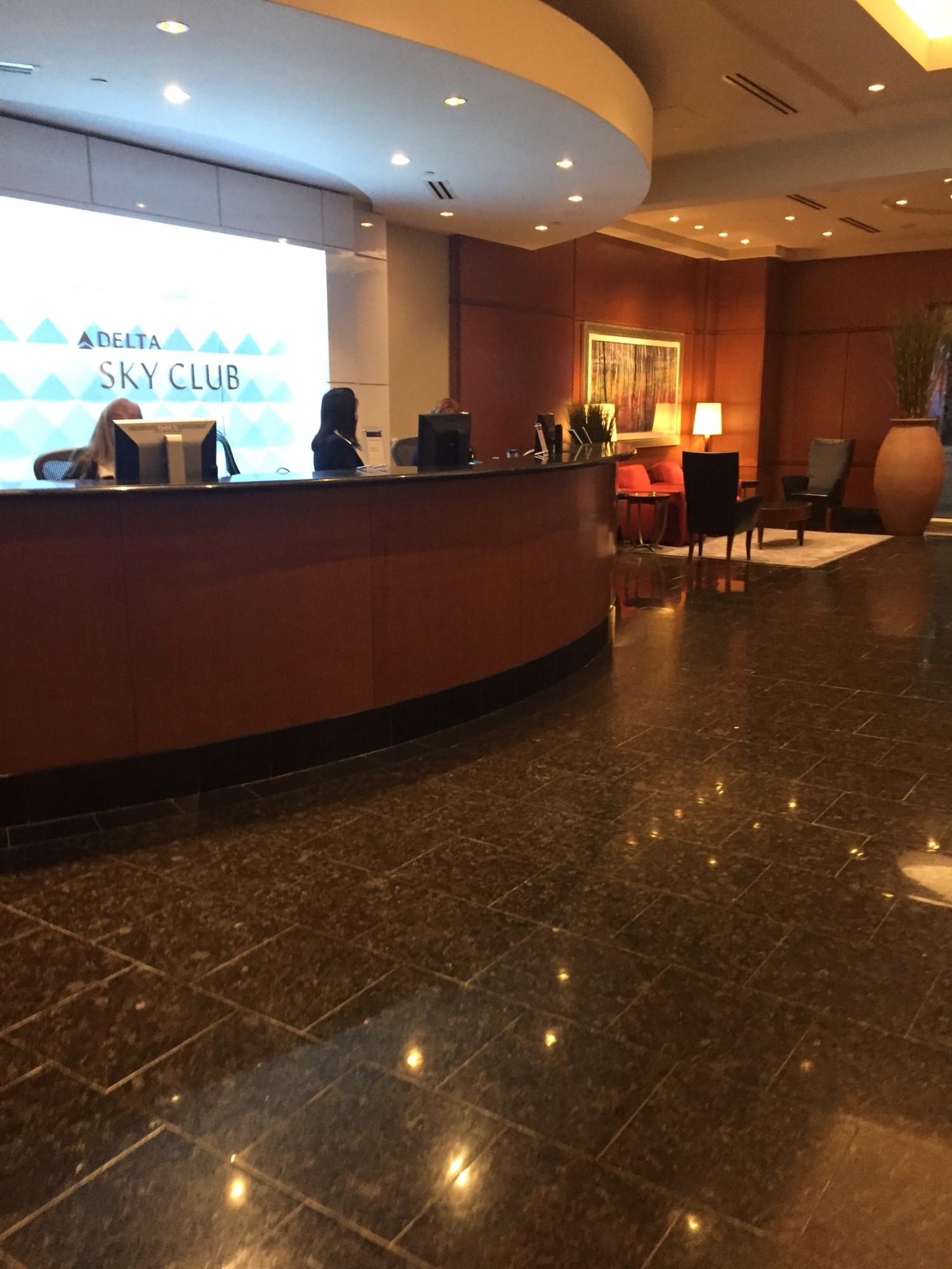 Dtw Delta Air Lines Delta Sky Club Gate A38 Reviews
