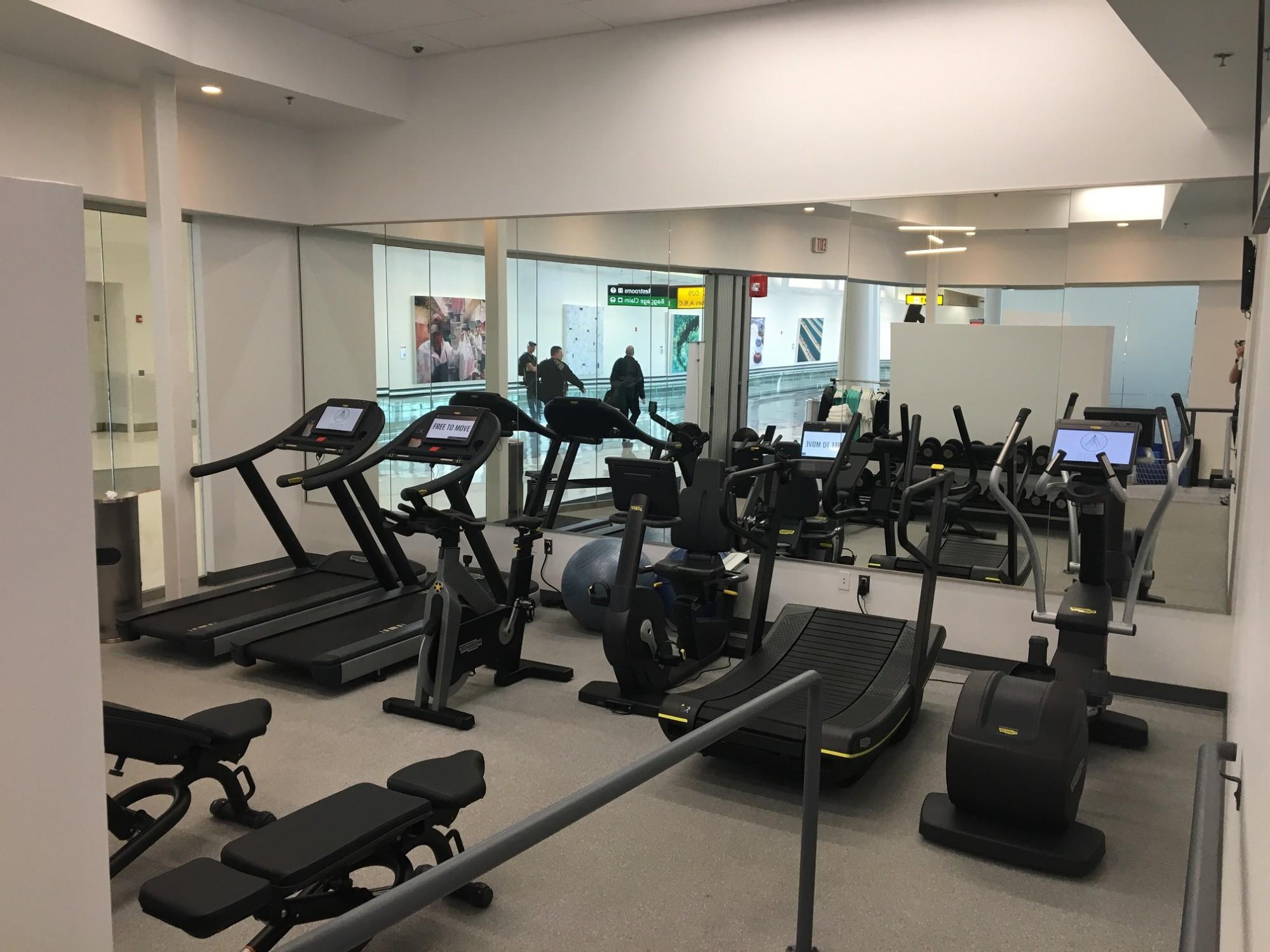 BWI ROAM Fitness Reviews & s Main Terminal Concourse D E